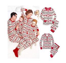 Família de Natal Matching Pijamas Set Mulheres Homens Crianças manga comprida Tops Calças crianças de Pijamas Set pai-filho Início Casual Wear de Fornecedores de camiseta da rainha