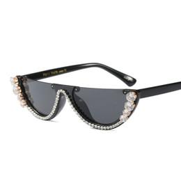 Occhiali da sole del progettista del rhinestone online-2019 nuovi occhiali da sole quadrati di design unico diamante metà telaio uomini donne moda tonalità di strass uv400 vintage gafas