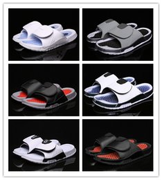Pantofole per i gatti online-NIKE Air Jordan Hydro XI AJ11 Designer Slides Jumpman Hydro 2 11 13 XIII Sandali Black Cat da uomo Pantofole classiche da donna di alta qualità Flip Fashion Slipper Taglia 36-47