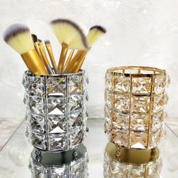 Porta candela cilindro in cristallo online-Portacandele a cilindro nordico Spazzola per trucco in cristallo Contenitore per matite Portacandele in metallo per decorazioni di nozze a casa