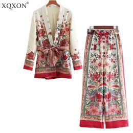 Il modello di fiore ansima lo stile online-Xqxon Tuta da donna Femminile 2019 Retro Style Flower Pattern Blazer Giacca da vacanza in stile europeo Casual + Pantaloni Tute Pigiama Q190427