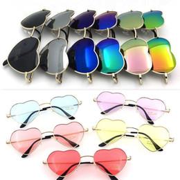 Gold herz geformte gläser online-Designer Sonnenbrillen Herz Mode Sonnenbrille Liebesform Metallrahmen 15 verschiedene Farben Goldrahmen Federscharnier Mode Frauen Brillen