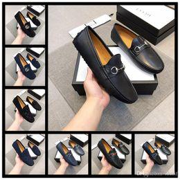 los mejores zapatos italianos Rebajas 18ss NUEVO Italian New Handmade Men white Gentleman Luxury shoes y Gold Top Prom and Banquet hombres vestido zapatos planos para hombres