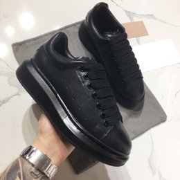 Lacer les hommes en Ligne-2019 Designer Sneakers Casual Shoes For Women And Men Lace Up Genuine Leather Flat Casual Shoes Black Red Pink Sneakers
