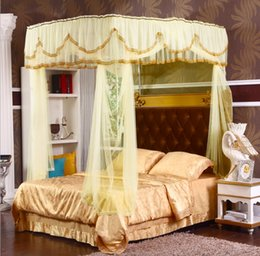 2019 cama de tamanho king amarelo Estilo Tribunal amarelo Romântico Lace Três-porta mosquiteiro Ter moldura completa Rainha King Size Casa Decoração conjunto de cama cama de tamanho king amarelo barato