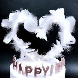 Pasteles de boda de plumas online-Cake Topper Heart Shape Feather Net Wedding Cake Top Flag Decoración para niña Fiesta de cumpleaños Suministros de boda
