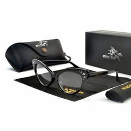 Wholesale 2019 уникальный горный хрусталь жемчужные очки женщины роскошные Королева Алмаз солнцезащитные очки UV400 Черный Кристалл отпуск очки с коробкой FML