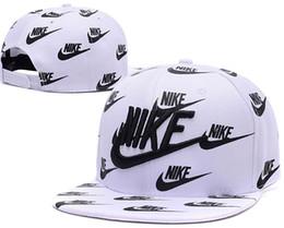2019 Новый бейсбол Регулируемые Snapbacks хип-хоп Flat Hat Спортивная команда Высокое качество вышивки шапки для мужчин и женщин баскетбольная кепка бесплатно от Поставщики спортивные толстовки для мужчин
