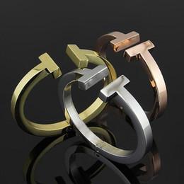 Deutschland Fabrik preis großhandel doppel t armbänder 18 karat rose gold schwarz titanium stahl armband 2018 mode armbänder Versorgung
