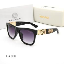 bicchieri di leopardo di colore per l'uomo Sconti 2019 Luxury Desinger Occhiali da sole quadrati con Stamp UV400 Full frame occhiali da sole per Accessori di moda delle donne degli uomini di alta qualità 690