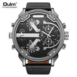 Relógio de discagem oulm on-line-Relógio de homens de couro Grande mostrador Oulm marca mens relógio de pulso de quartzo relógios à prova d 'água homem Múltiplos fusos horários relógios