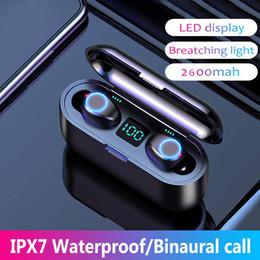 cuffie monofoniche Sconti F9 TWS Auricolare Bluetooth 5.0 auricolare Bluetooth con microfono vivavoce auricolari wireless auricolari in-ear con la scatola di ricarica
