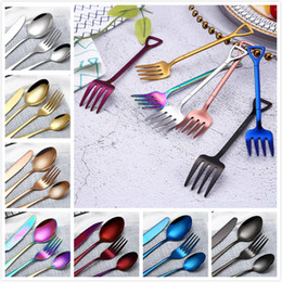 Tenedor cuchillo para fiesta online-Juegos de cubiertos elegantes 8 colores creativos cubiertos tenedor cuchillo cuchara cucharadita de vajillas para bodas