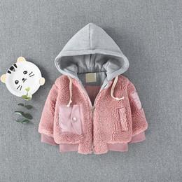 ropa de temporada de invierno bebé Rebajas Chaquetas de invierno Girls Season Boy 0 a 3 años de edad Baby Lambs Abrigo con capucha Casual Algodón acolchado Ropa