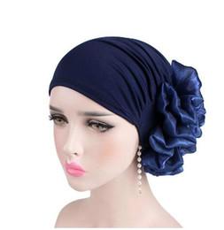 Sombrero de las mujeres islámicas online-Flor grande Mujeres Turbante Sombrero Musulmán Pañuelo Montón Montón Mujeres Suaves Cómodas Hijab Gorras Islámica Quimioterapia Sombrero GB954