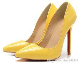 Spitzen zehen flachen mund schuhe online-Frauen elegante Designer Red Bottom echtes Leder Kleid Schuhe Damen V-förmige spitze Zehen flachen Mund High Heel Schuhe männliche Hochzeitsfeier