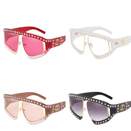 large lighted picture Promo Codes - Pearl Rivet Women Sunglasses Polarized Light Plastic Sunglass Grace Large Picture Frame Eyewear Bardian Fashion Multi Colours 23ph D1