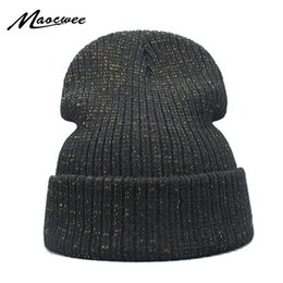 Серебряный тюрбан онлайн-New Shine Gold Silver Hat осень зима Тюрбан Beanie Hat For Теплые Женщины Повседневная Вязаная Hat Женский Skullies Шапочки Красочный