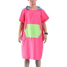 Canada 2019 nouvelles femmes homme plage robe changeante serviette de bain à séchage rapide sports de plein air adulte capuchon Cape poncho peignoir serviettes cheap adult bathrobes Offre