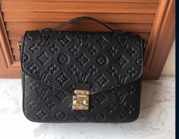 Bolsos de mano cuadrados de cuero online-Bolso de lujo Retro Fashion Tote Square Bag 2019 Nueva calidad de cuero de la PU del diseñador de las mujeres bolso Scrub hombro Messenger Bag 01
