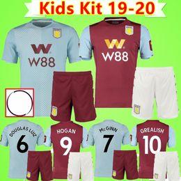 Terno marrom criança on-line-Crianças kit 19 20 Aston Villa Futebol Brown afastado azul Wesley JOTA 2019 2020 meninos KODJIA define Football Shirts crianças terno Maillot