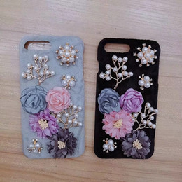 2019 iphone elegante 3D Flower Bead Hair Case para iPhone XR XS MAX X 8 7 6 Fluffy Fur Cover Hard PC Fur Plush Pearl Cute Lovely Elegant Bling Luxury Winter Warm iphone elegante baratos