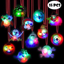 15 Adet Cadılar Bayramı LED Kolyeler Parti Iyilik Çocuklar ve Yetişkinler Için Hediye Paketi ile Cadılar Bayramı Işık up oyuncakla ... nereden