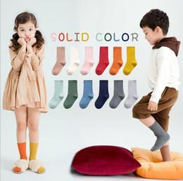 Infant baby girl/'s espagnol hautes chaussettes avec satin bow/&fur pom//un fourni