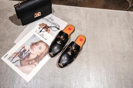 Zapatillas de corazon online-De lujo de calidad de cuero serpiente media cabeza zapatillas cabeza de tigre corazón rojo casual versátil desgaste plano exterior zapatos de mujer