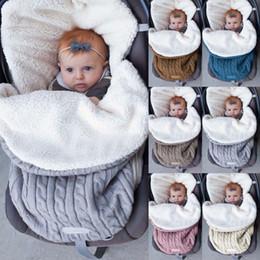 Bebek arabası uyku tulumu yastıklı yün örgü kadife Sonbahar ve Kış açık sıcak bebek uyku tulumu nereden bisikletle takılan telefon tutacağı tedarikçiler
