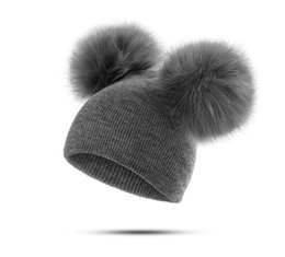 Peles de pele falsa on-line-Infantil inverno infantil bebê recém-nascido crianças faux fur lã chapéu gorro cap com 2 dois double pom pom beanie para meninos e menina
