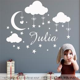 decalques de vinil personalizados Desconto Nome personalizado Decalque Da Parede Nuvens Lua Estrelas Adesivo De Parede Babys Decoração Do Quarto Nome Personalizado Vinyl Nursery Mural TX-108