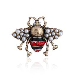 2019 perno dell'ombrello all'ingrosso Honeybee Spilla Crystal Diamond Bee Pins Spille di design di lusso Spille in lega di zinco strass per donna