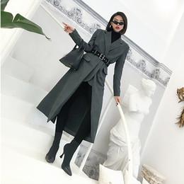 herbst typ frauen Rabatt LANMREM 2018 Neue Ankunft Kerbte Lange Wolle Mantel Mit Gürtel Hochwertige Persönlichkeit Kleidung Für Frauen Herbst Mode YG050