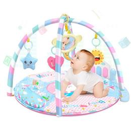 Mode Nouveau bébé unisexe avec lumière Musical Fitness Rack Tapis de jeu Jouets éducatifs Nouveau Mode bébé Fitness Tapis de jeu ? partir de fabricateur