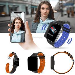 Assistir tela quadrada on-line-Unisex Relógios Inteligentes Unisex Casual Quadrado À Prova D 'Água Tela LCD Fivela Fechamento Inteligente Watchnew