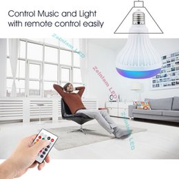 2019 palla di musica Intelligente E27 LED White + RGB Light Ball Bulb Lampada colorata Smart Music Audio Bluetooth 3.0 Altoparlante con telecomando per casa, palcoscenico sconti palla di musica