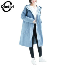 2019 más el tamaño de denim gabardinas Oladivi Brand Plus Size Women Hooded Jeans Coat Moda Damas Casual Loose Denim Trench Tops Otoño Cardigans Abrigos femeninos más el tamaño de denim gabardinas baratos