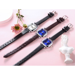 Ремни для ногтей онлайн-New Style Nail Lady Belt Watch Fashion Fine Strap Small Square Quartz Wristwatch Ladies Watch Women Watches