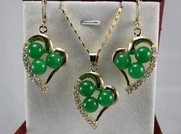 2019 joyas en forma de corazón de piedras Las mujeres de la boda de piedra verde gema coral rojo en forma de corazón Colgante Collar Pendientes set A23401 5.23 joyería de plata joyería de plata joyas en forma de corazón de piedras baratos