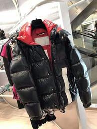 El más nuevo diseño de la marca de lujo de Francia de los hombres abajo abajo de la chaqueta abajo abrigos para hombre cuello de piel al aire libre vestido de plumas cálido abrigo de invierno chaquetas desde fabricantes