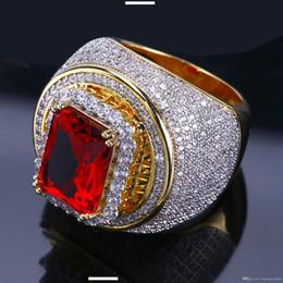 2020 hombre anillos de oro rubies Chapado en oro circón anillos para los hombres y mujeres en Europa y el anillo de hip-hop Latina con incrustaciones de rubíes rebajas hombre anillos de oro rubies