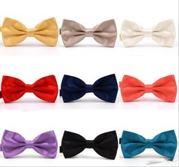 gold bowties Coupons - 2019 Trumpet Solid Colors Bow Ties For Weddings Fashion Man And Women Neckties Mens Bow Ties Leisure Neckwear Bowties Adult Wedding Bow Tie
