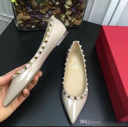 2019 i pattini di vestito disegnano le signore Design elegante Scarpe da donna in vernice a punta con scarpe piatte e scarpe basse giornaliere Scarpe da donna da donna Sandali da donna. i pattini di vestito disegnano le signore economici