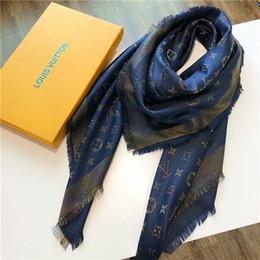 bufanda india al por mayor Rebajas 2019 nuevo diseño deslumbrante color oro hilo de lana de punto mantón de la marca clásico mantón hilado-teñido para mujeres 140 * 140 cm