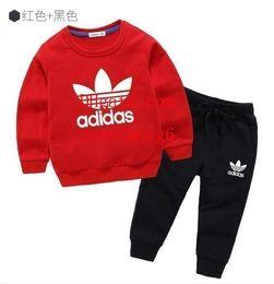 Детская одежда Модный набор из 2 предметов Одежда для малышей Верхняя одежда для мальчиков с длинным рукавом + Брюки Спортивная одежда Одежда Детская спортивная одежда add-idas7 от