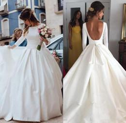 Простой открытый сзади с длинным рукавом свадебные платья бальное платье свадебное платье богемы линия Платье-де-Novia Дешевые от Поставщики винтажные беременные свадебные платья плюс размер