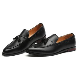 Zapatos holgados hombre verde online-Hombres de lujo de doble correa de monje mocasines de cuero genuino marrón verde para hombre zapatos de vestir casuales de deslizamiento en los zapatos de boda de los hombres