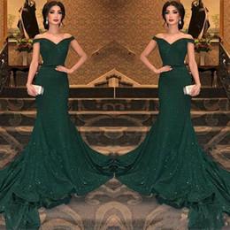 robe à épaules dénudées Promotion 2019 robes de soirée sirène paillettes vert foncé arabe sur l'épaule ruché étage longueur soirée robes de bal robe de soirée BC0792