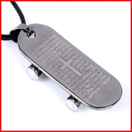 Jóia de skate on-line-Pingente de colar de pingente de dia dos namorados presente escritura cruz skate colar moda titanium pingente de jóias